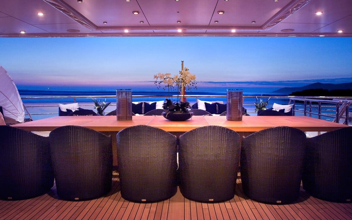 Motor Yacht SEA RHAPSODY Upper Aft Deck Dining Table