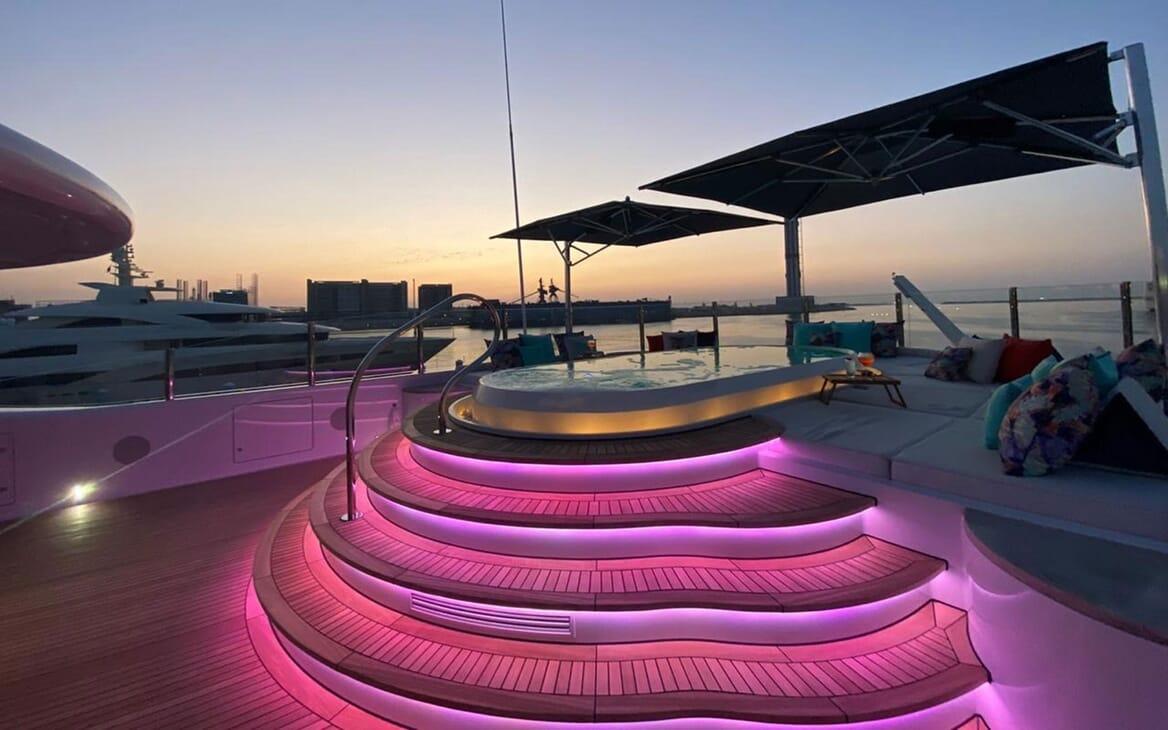 Motor Yacht SEA RHAPSODY Evening Jacuzzi