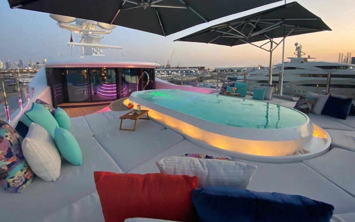 Motor Yacht SEA RHAPSODY Sun Pad And Jacuzzi