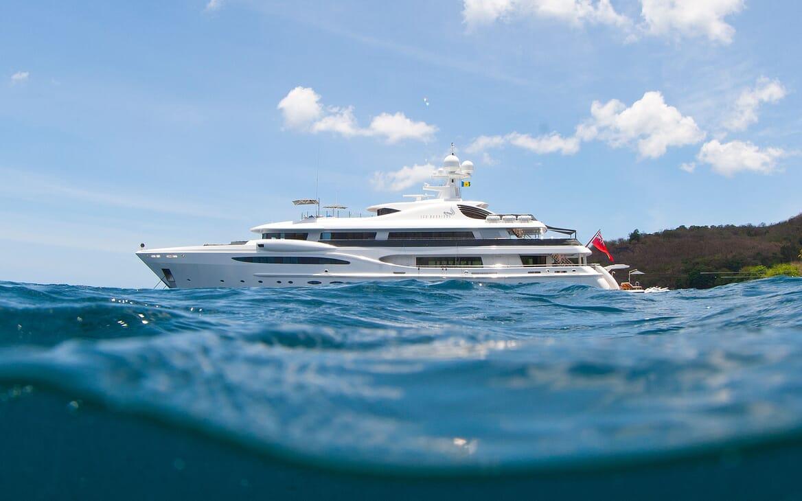 Motor Yacht SEA RHAPSODY Side Profile Submerged