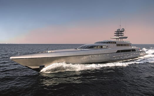 Motor Yacht Silver Fast Profile