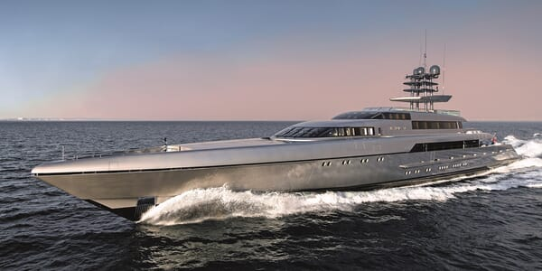 Motor Yacht Silver Fast Profile