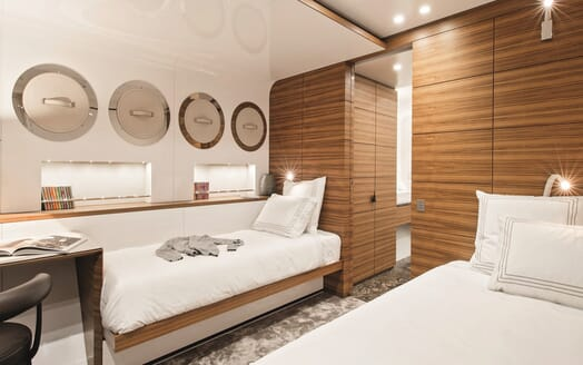 Motor Yacht Silver Fast Twin Stateroom