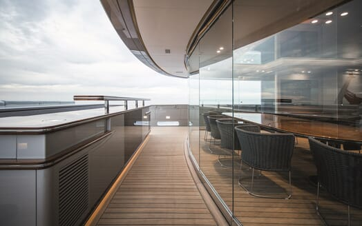 Motor Yacht Silver Fast Exterior Walkway