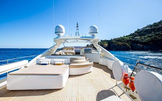 Motor Yacht Robusto Sun Deck