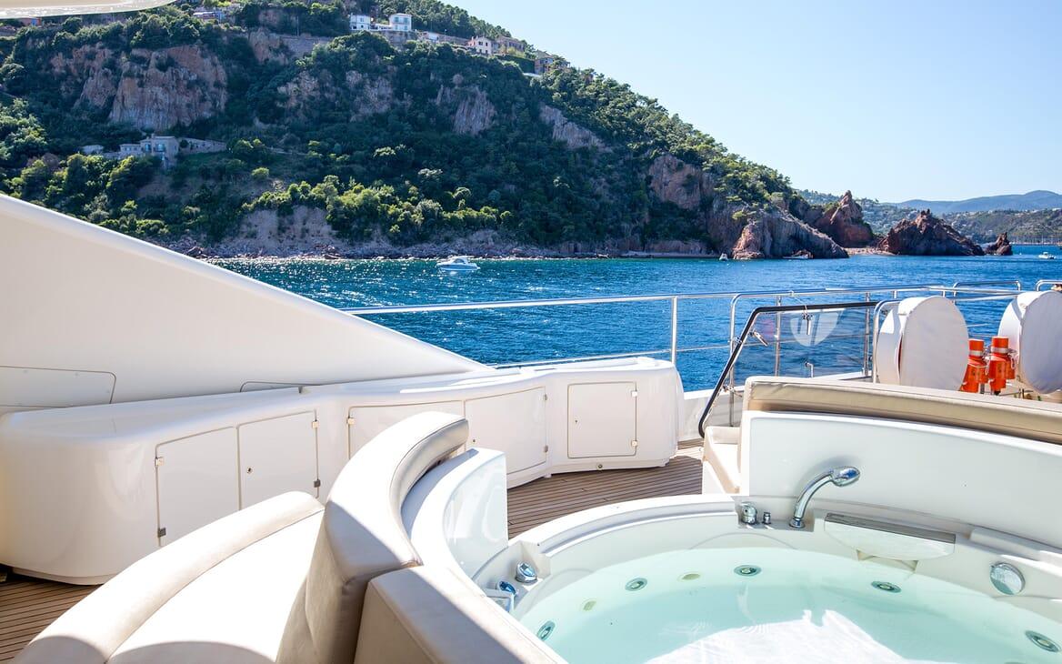 Motor Yacht Robusto Jacuzzi