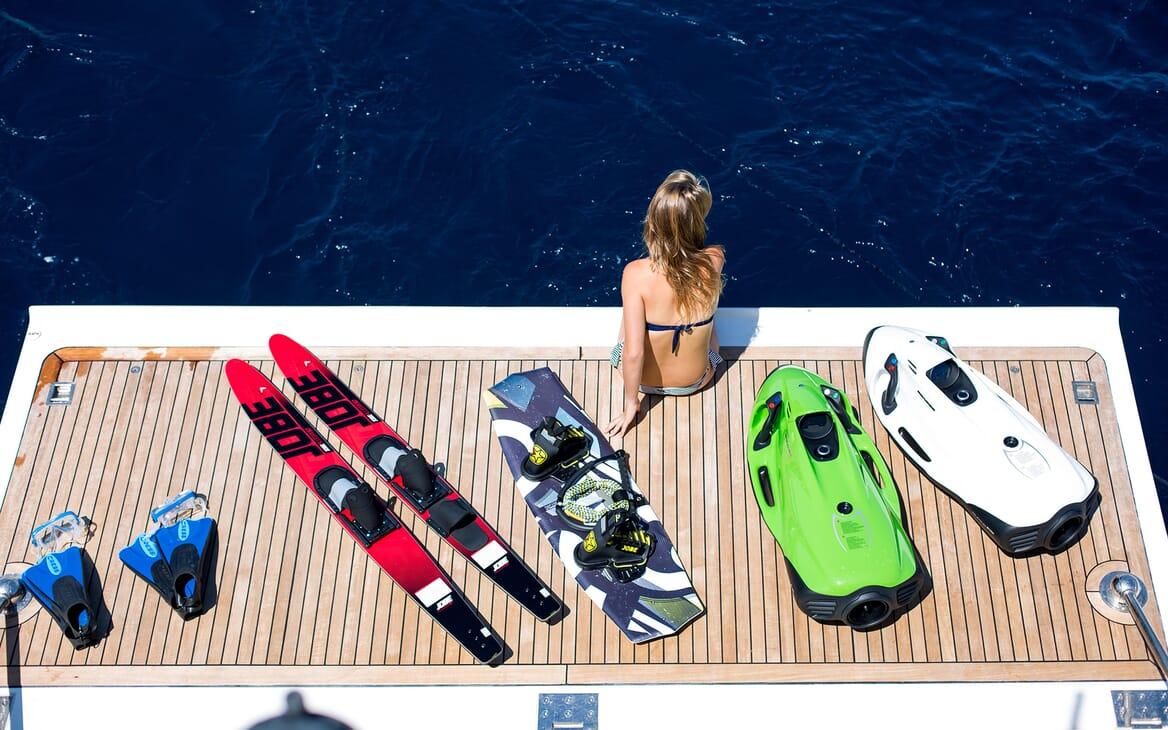 Motor Yacht Robusto Water Toys