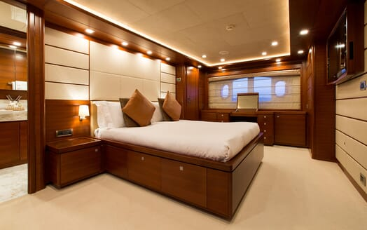 Motor Yacht Robusto Guest Stateroom