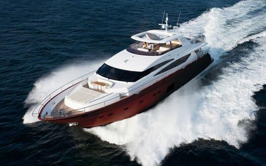 Motor Yacht MAESTRO Underway