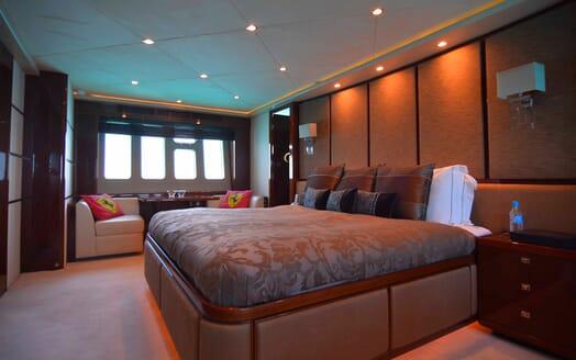Motor Yacht Maestro of Gibraltar Master Stateroom