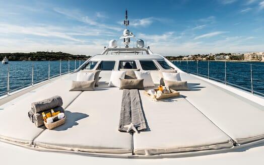 Motor Yacht Destiny main deck