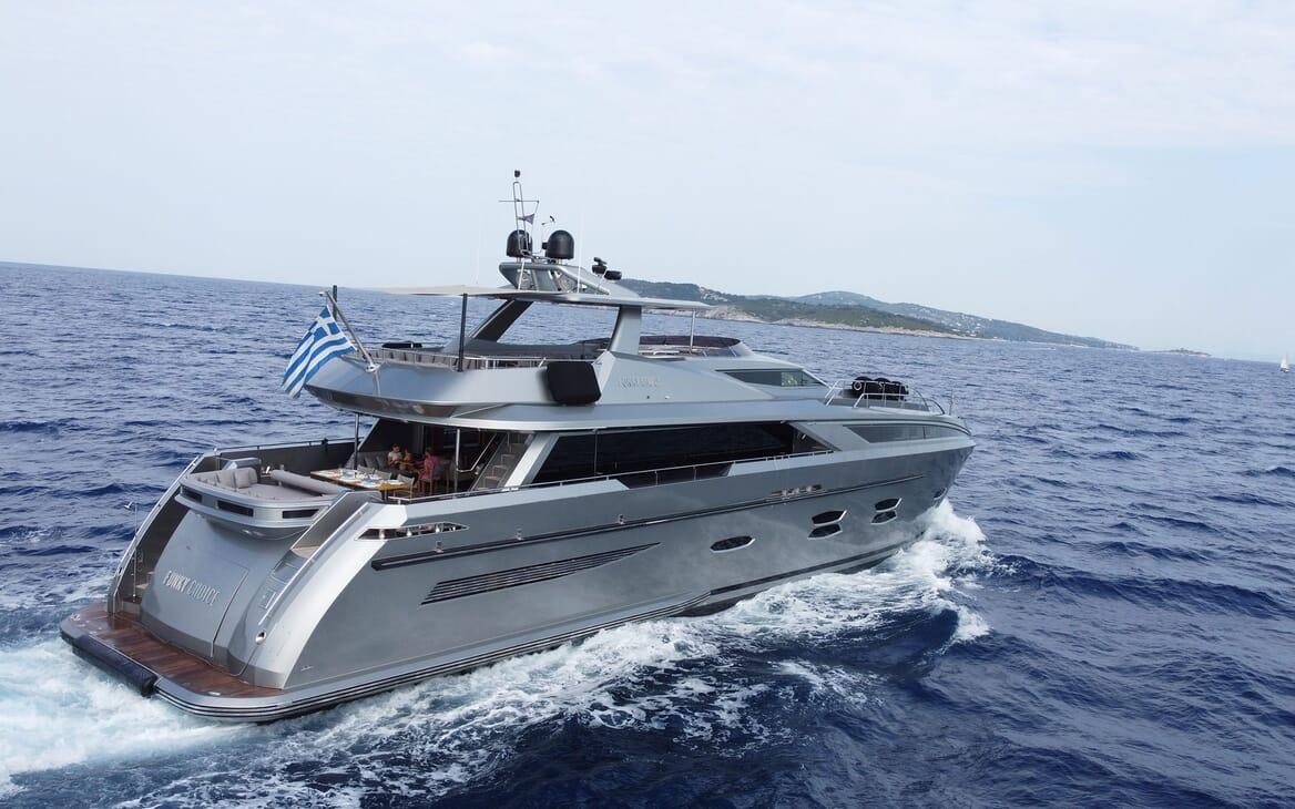 Motor Yacht Meya Meya bathroom