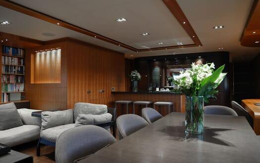 Motor Yacht Meya Meya foredeck