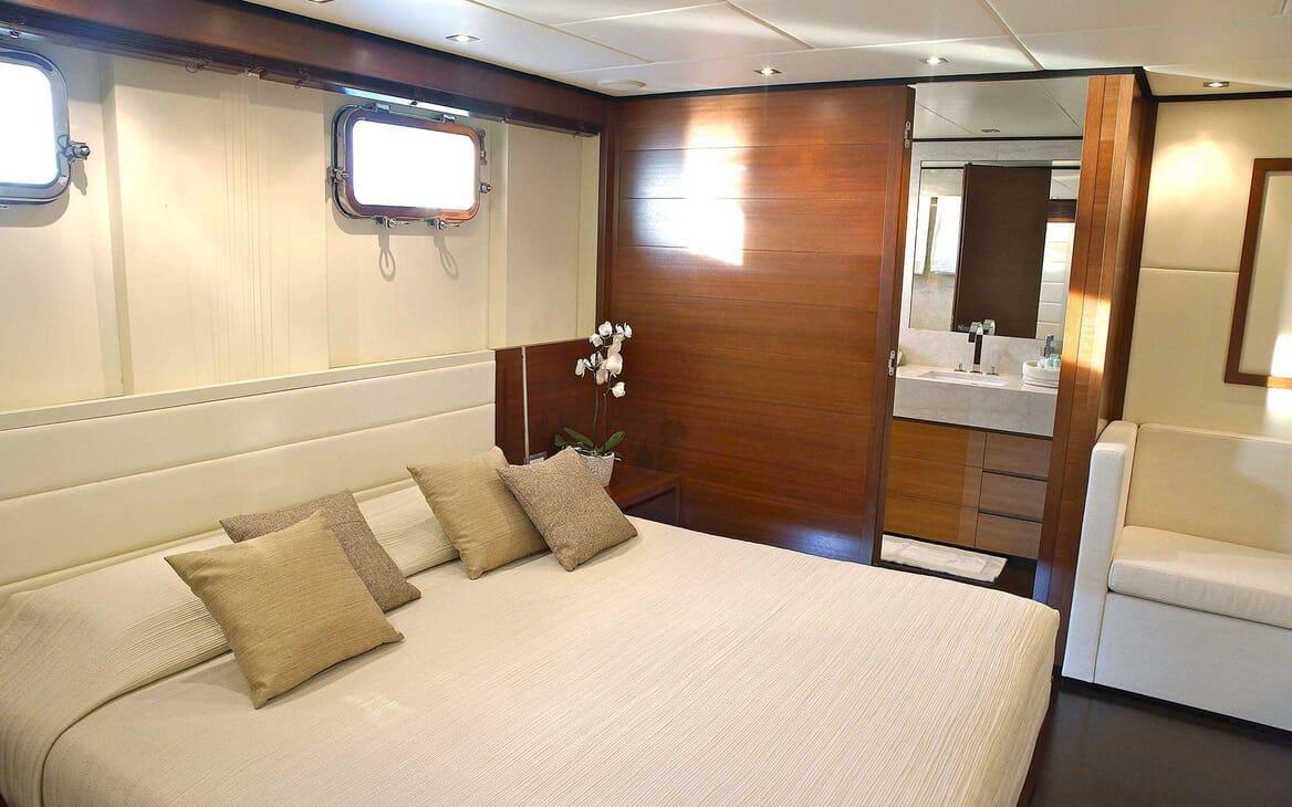 Motor Yacht Annamia master cabin