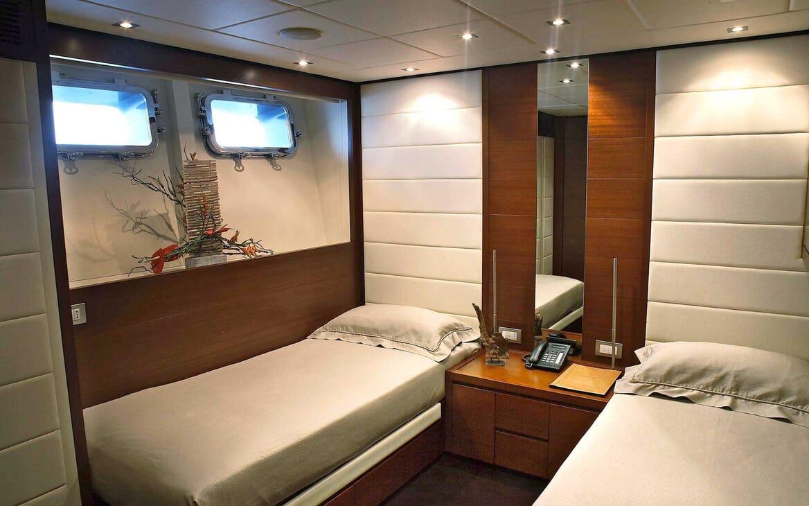 Motor Yacht Annamia twin cabin
