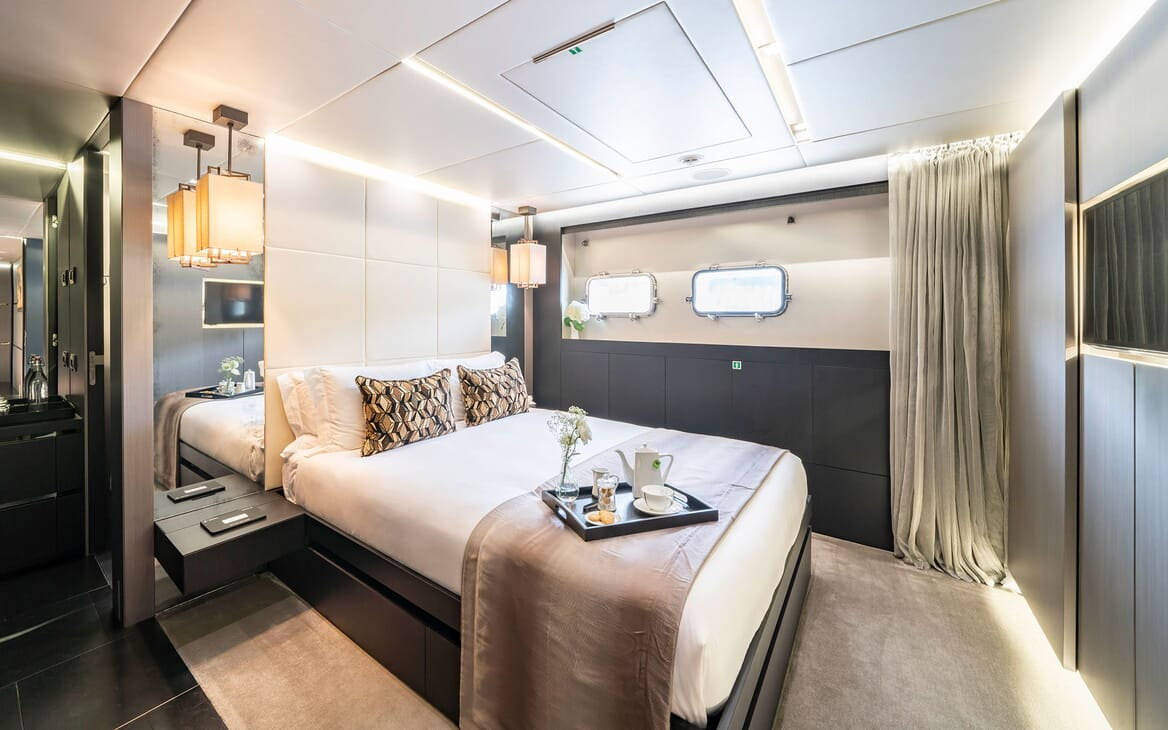 Motor Yacht Giraud Double Guest Stateroom