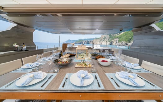 Motor Yacht Giraud Sun Deck Dining