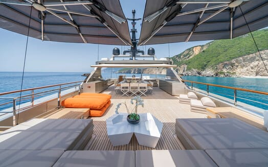 Motor Yacht Giraud Sun Deck