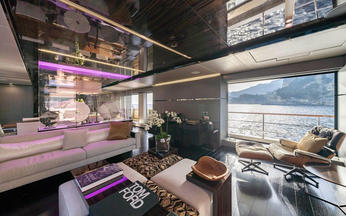 Motor Yacht Giraud Main Saloon 2