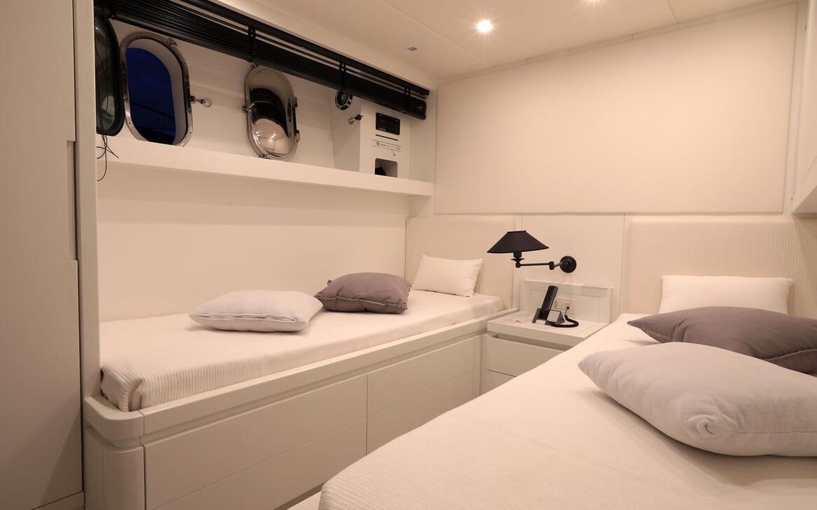 Motor Yacht Nikca sundeck
