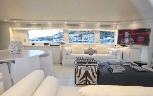 Motor Yacht Nikca master cabin