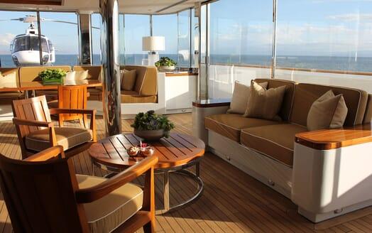 Motor Yacht SURI Deck Seating