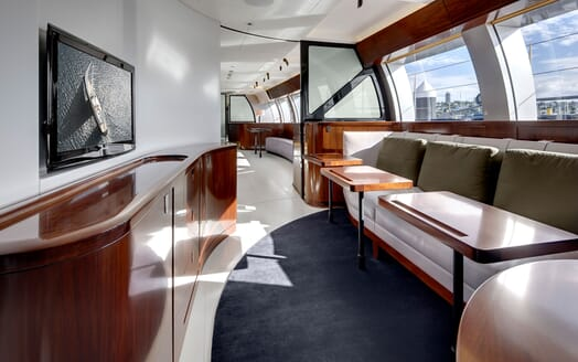 Sailing Yacht VERTIGO Seating
