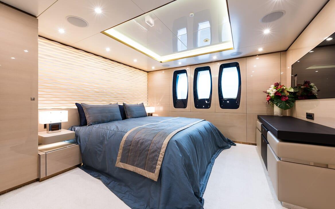 Motor Yacht Quaranta VIP cabin