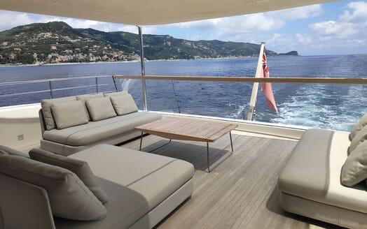 Motor Yacht Aventus Sun Deck Seating