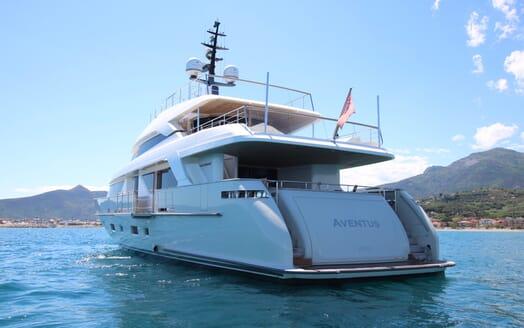 Motor Yacht Aventus Aft View