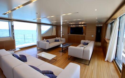 Motor Yacht Aventus Main Saloon