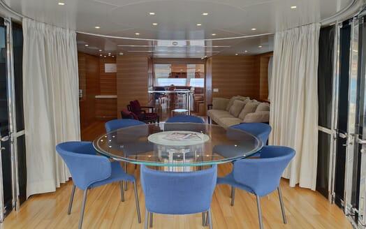 Motor Yacht Aventus Dining Table