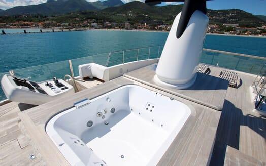 Motor Yacht Aventus Sun Deck Jacuzzi