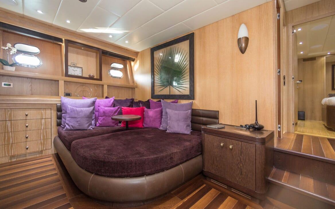 Motor Yacht JFF Seating