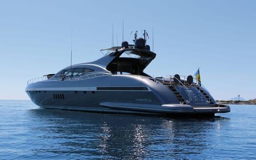 Motor Yacht JFF Exterior Aft View