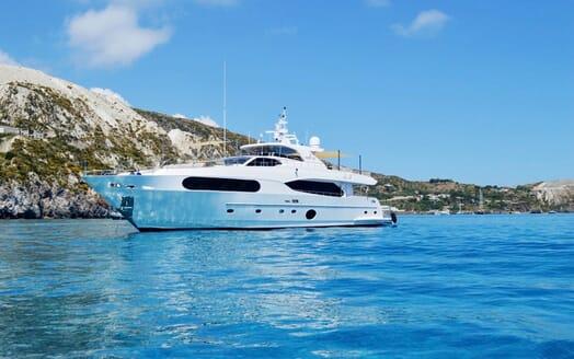 Motor Yacht Mykonos