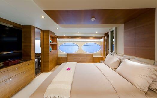 Motor Yacht Mykonos guest cabin