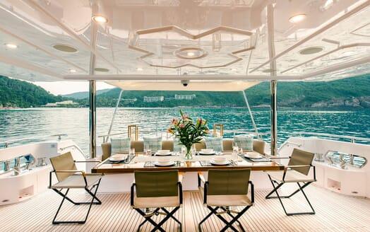 Motor Yacht Mykonos al fresco dining