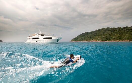 Motor Yacht Mykonos toys