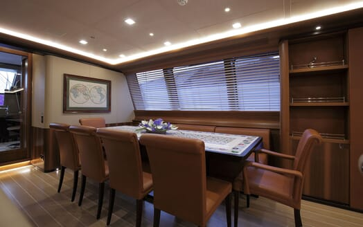 Sailing Yacht PERSEUS 3 Dining Table