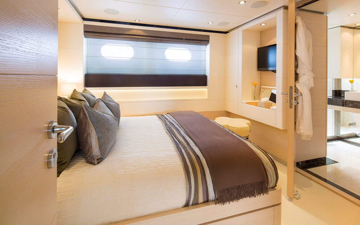 Motor Yacht LADY L Double Guest Stateroom