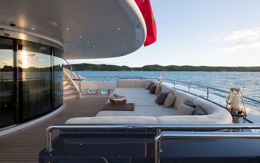 Motor Yacht LADY L Main Aft Sun Pads