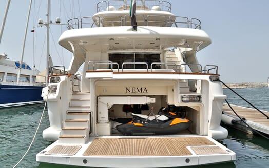 Motor Yacht Nema aft shot