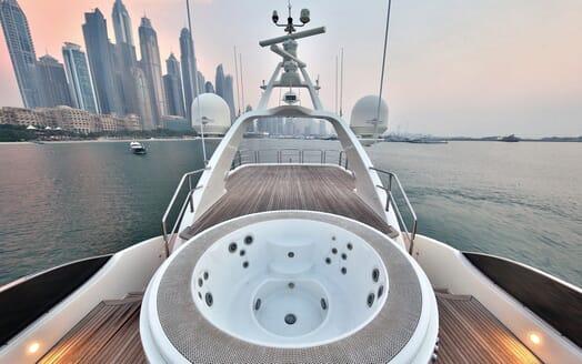 Motor Yacht Nema hot tub