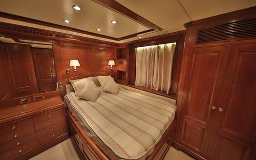 Motor Yacht Nema double cabin