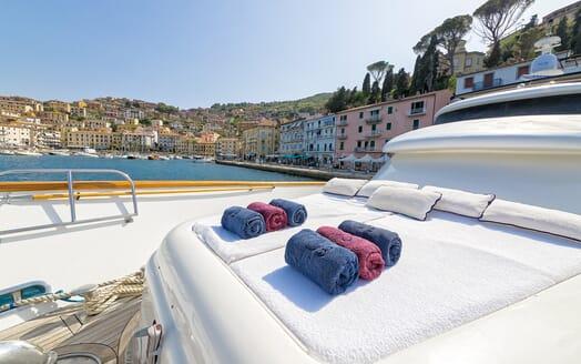 Motor Yacht Bugia sun loungers