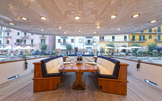 Motor Yacht Bugia outdoor dining area