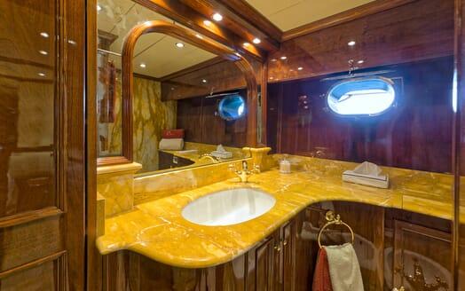 Motor Yacht Bugia guest bathroom