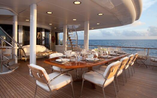 Motor Yacht Sunrise al fresco dining