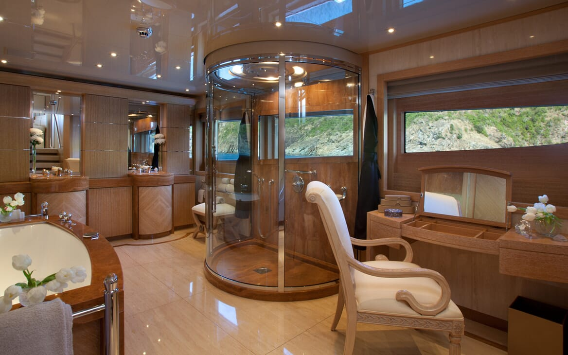 Motor Yacht Sunrise master bathroom